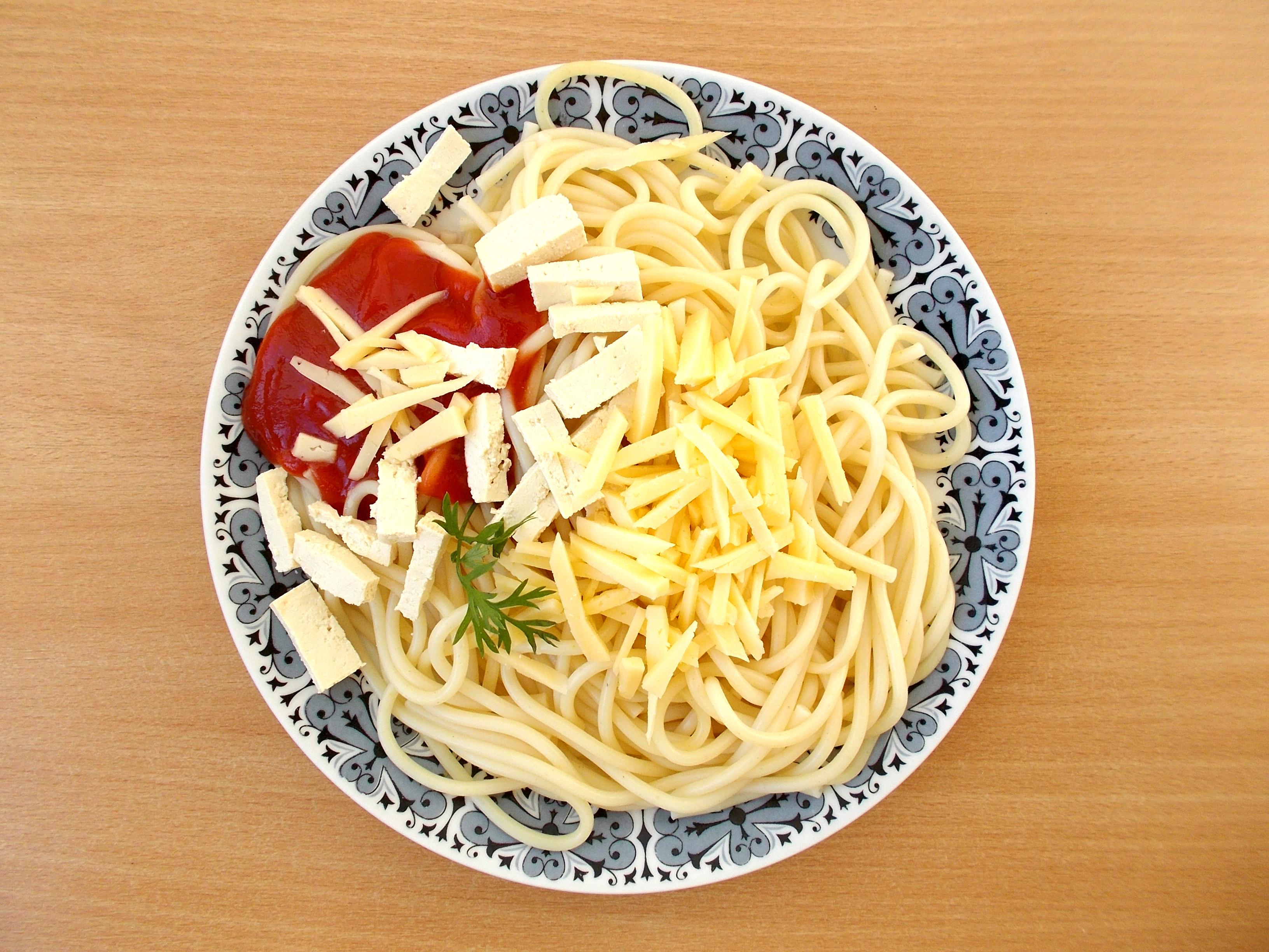 lacné jedlo špagety