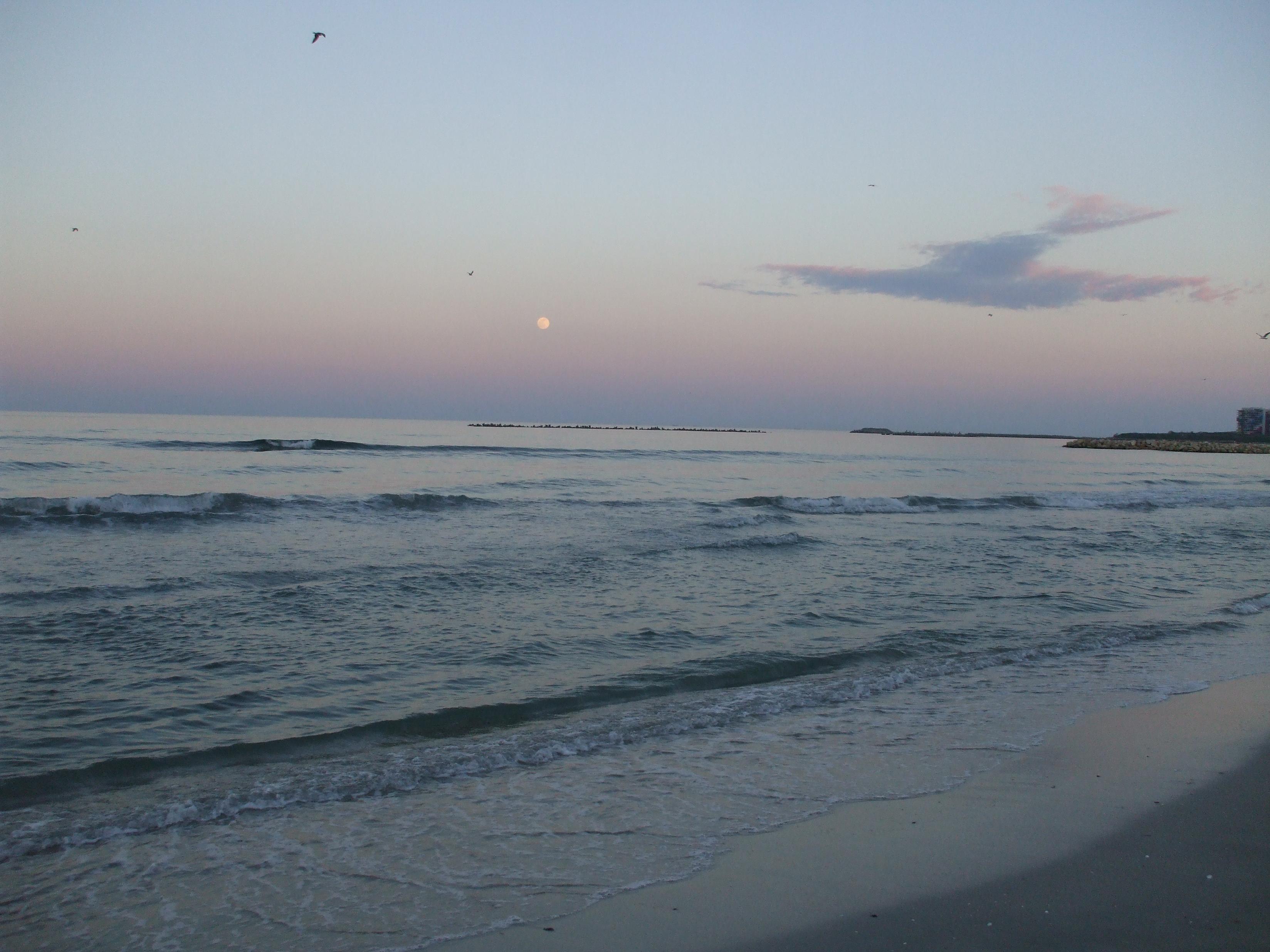 Pláž vo Vama Veche je povinnou zastávkou.