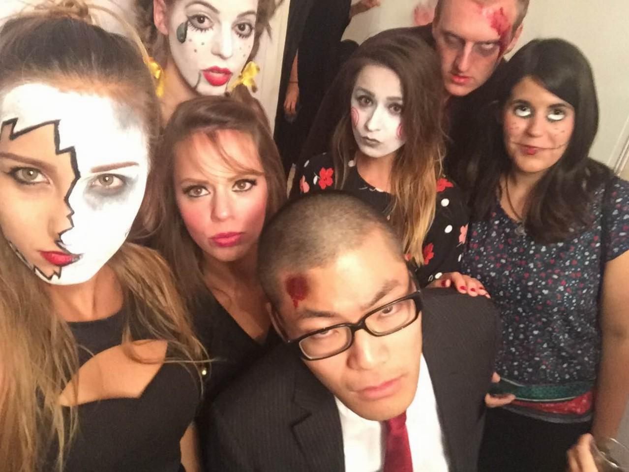 Spolu s priateľmi si užila aj typickú Halloweensku párty (zdroj: Lucia Pálová).