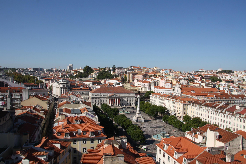 """Mesto je plné vyhliadkových """"miradouros"""", ktoré ponúkajú jedinečný pohľad na okolité budovy (zdroj: Barbora Adamková)."""