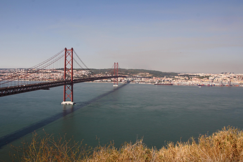 Most 25. apríla je povinnou zástavkou (zdroj: Barbora Adamková).