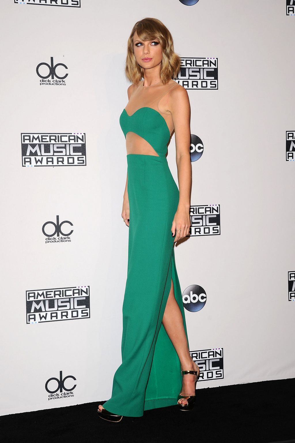 Taylor Swift si odniesla tri ceny, hlavnú nezískala. Zdroj: celebrityhive.com