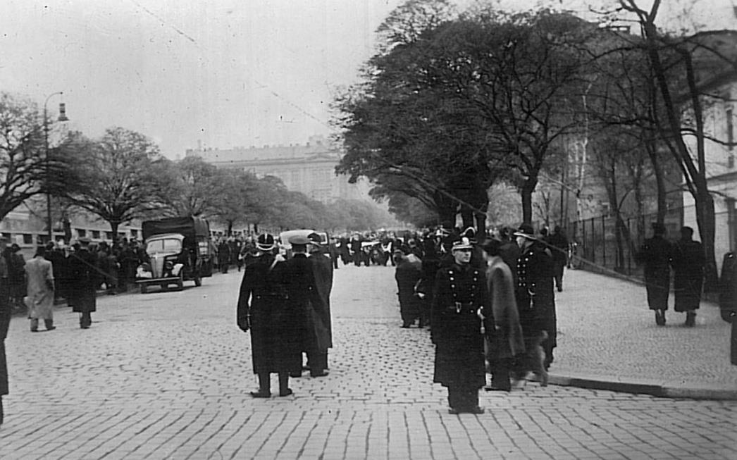 Митинг на улицах Праги 1939г.
