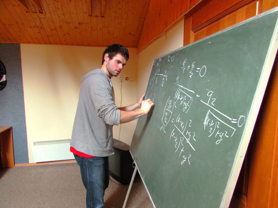 Občianske združenia založené študentmi: Trojsten sa snaží skamarátiť mladých s fyzikou