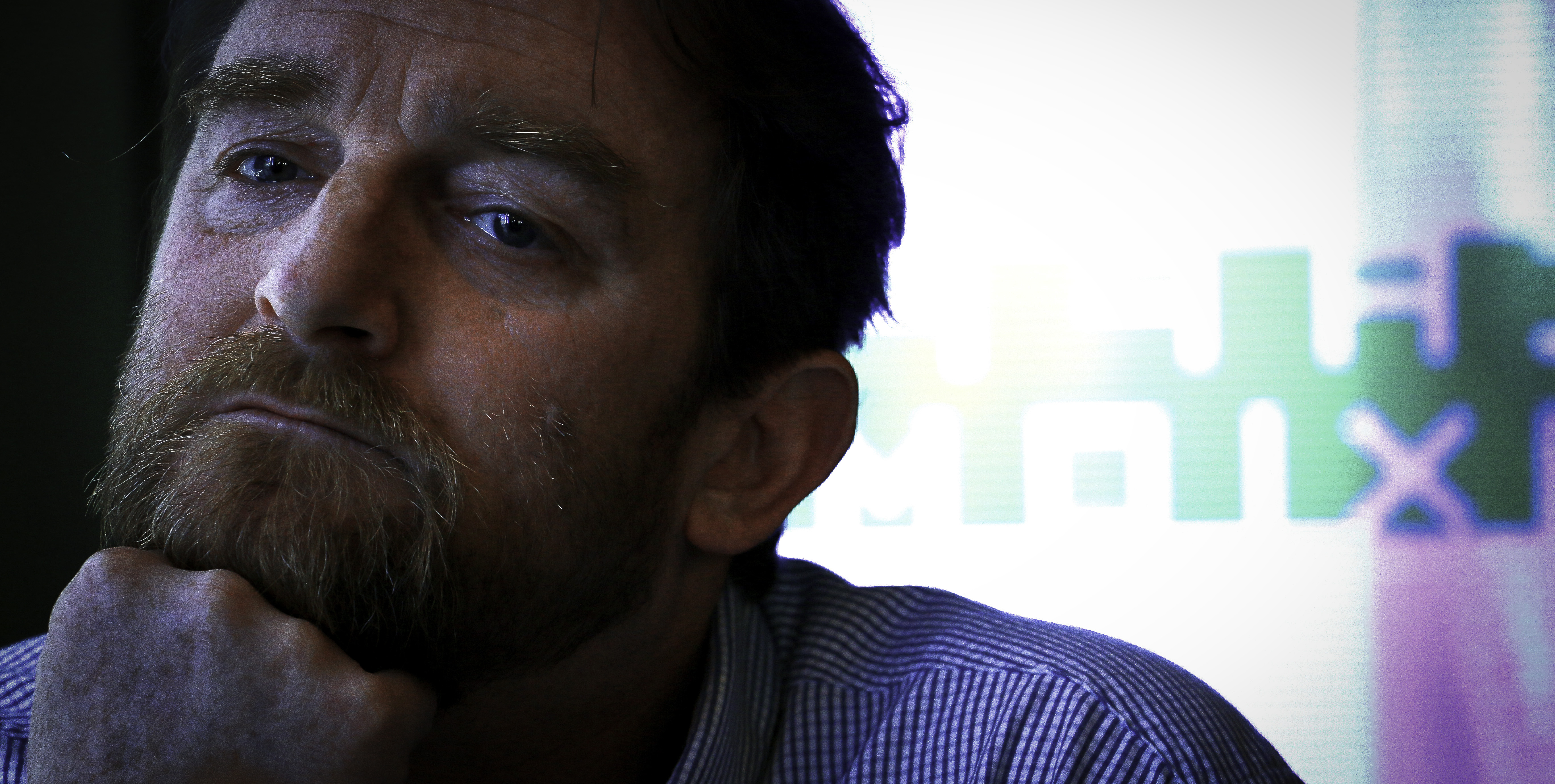Tom Nicholson: Vyčítali mi, že som blázon bojujúci proti systému