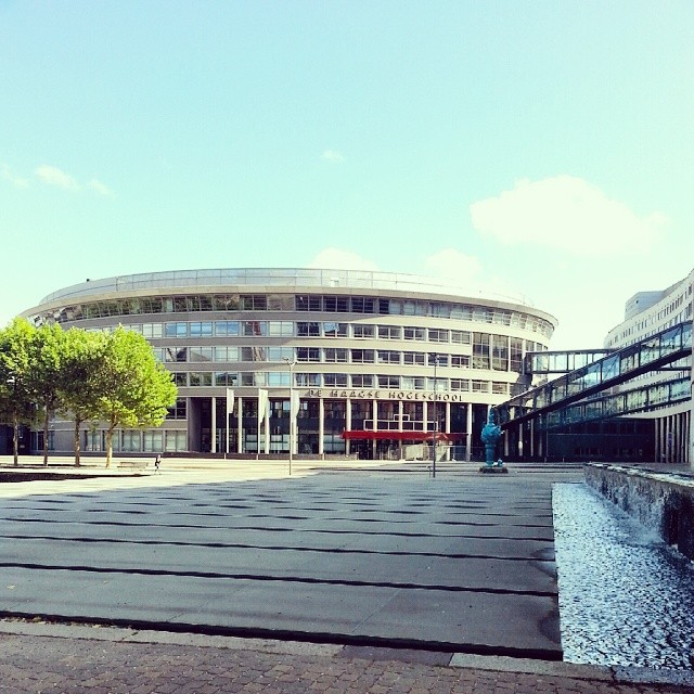 The Hague University. Zdroj: instagram (@martindurica)