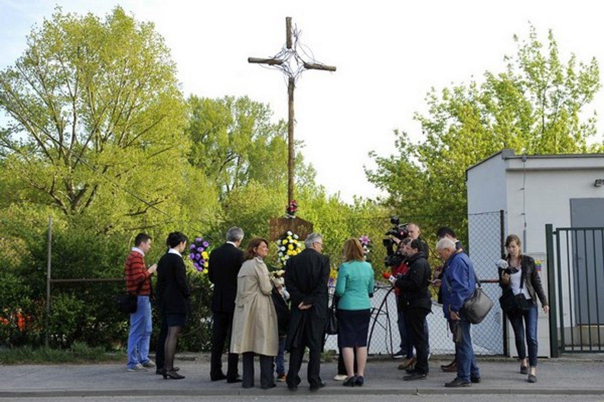 Miesto tragédie. Dnes tam stojí kríž. Zdroj: ČTK, SITA