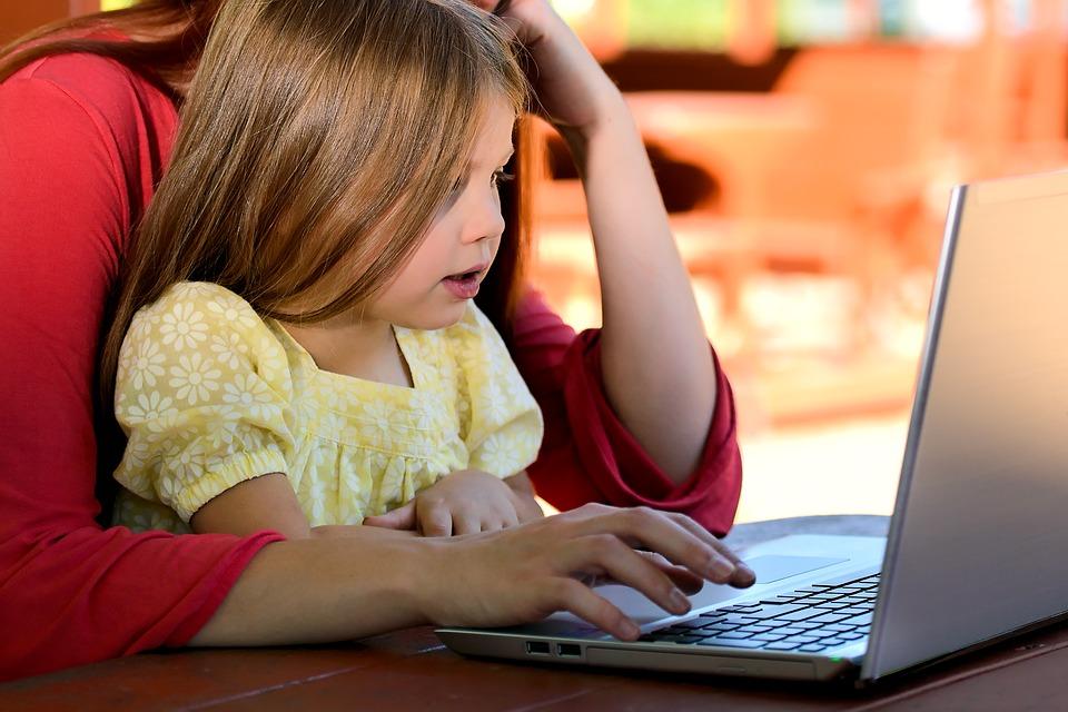 Pracujúcce mamy by mohli pomôcť presadiť zmeny v spoločnosti. foto: Pixabay