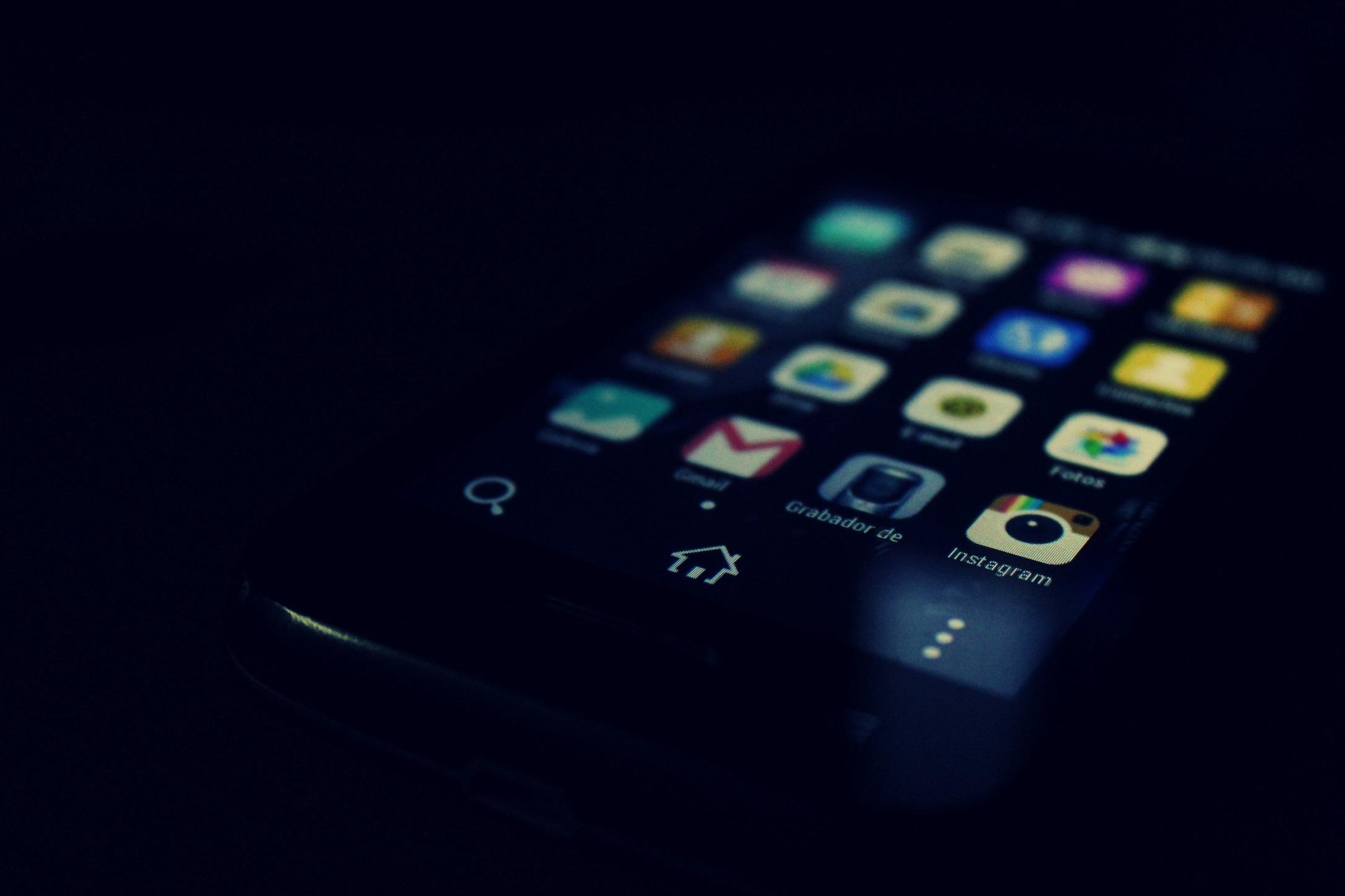 Nový materiál pre dotykové obrazovky zmení mobilné telefóny