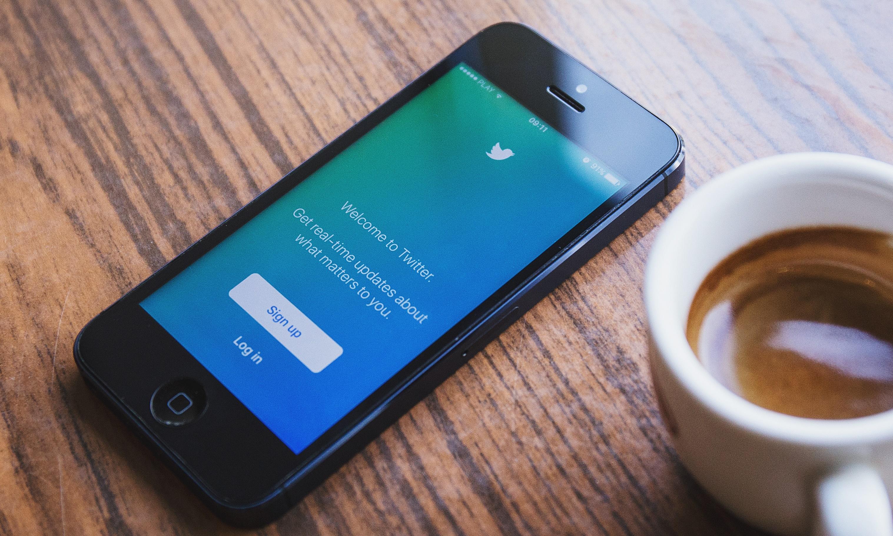 Twitter pokračuje v boji proti podpore terorizmu