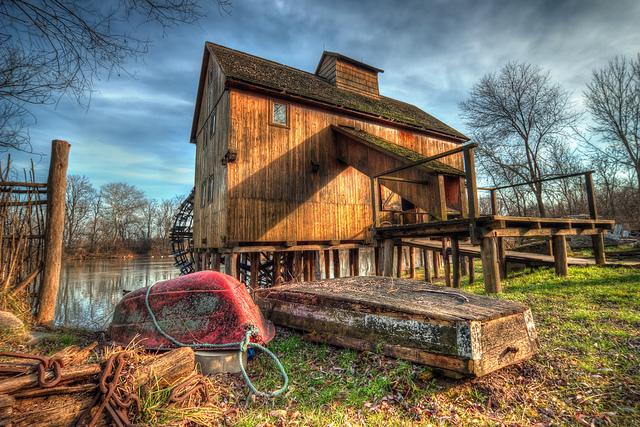 Vodný mlyn v Jelke. Zdroj: www.krizom-krazom.sk