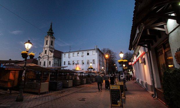 Nočná krása novej štvrte Belehradu