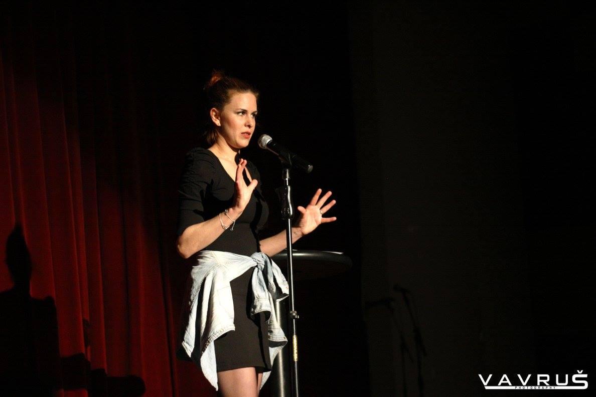 Sama proti publiku: Ženy v slovenskom stand-upe
