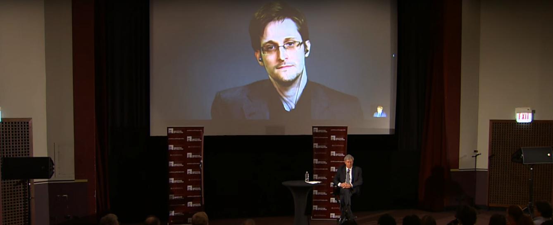 Do kín prichádza film o Edwardovi Snowdenovi