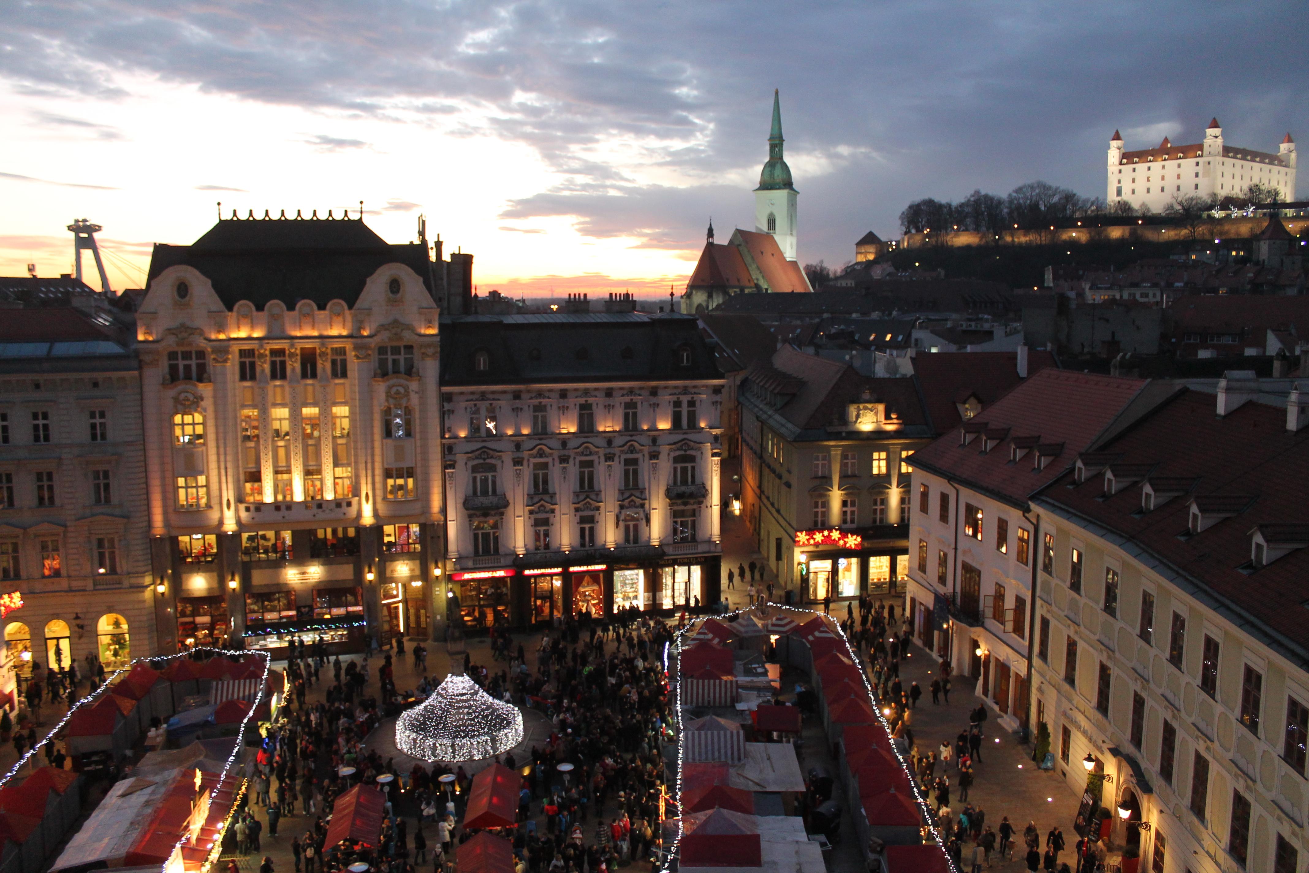 Trhy na Hlavnom námestí v Bratislave. Autor: Aneta Schmogerová