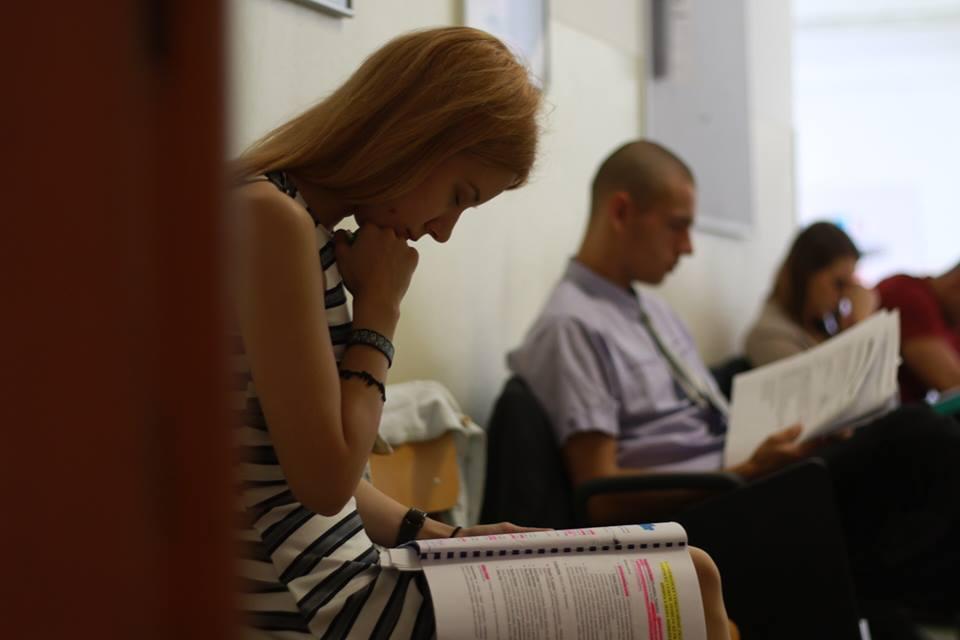 Budú zrušené štátne skúšky na vysokých školách?