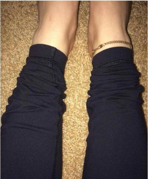 Keď vám ešte aj oblečenie skráti už aj tak dosť krátke nohy.. (Zdroj: pinterest.com)
