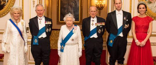 Kráľovná Alžbeta II. oslavuje výnimočné zafírové výročie