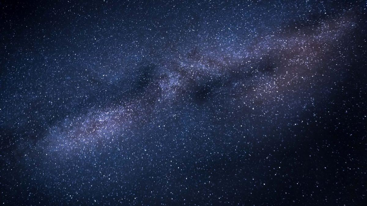Slávny astrofyzik venoval svoju novinku tým, ktorí nemajú čas: Kniha o vesmíre pre zaneprázdnených!