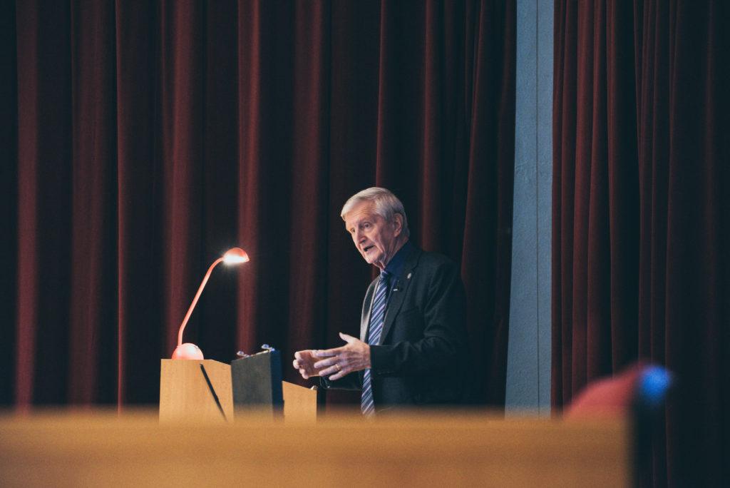 bývalý riaditeľ SIS Igor Cibula