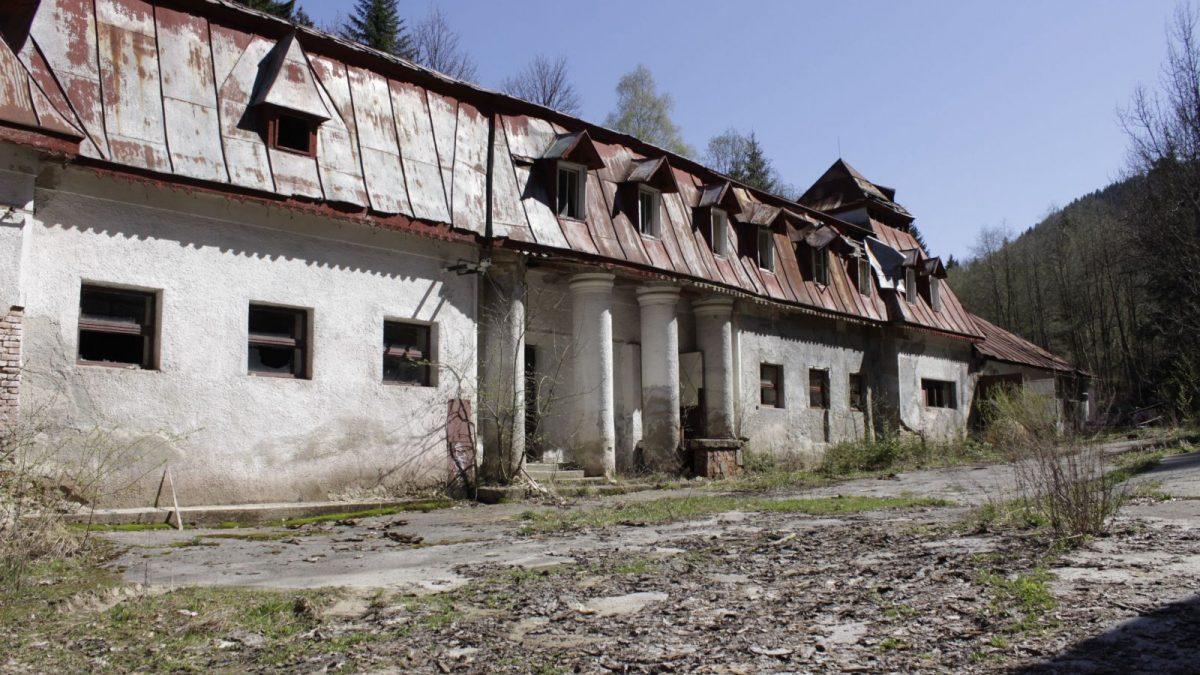 Kúpele Korytnica sú ďalšou pamiatkou odsúdenou na zánik