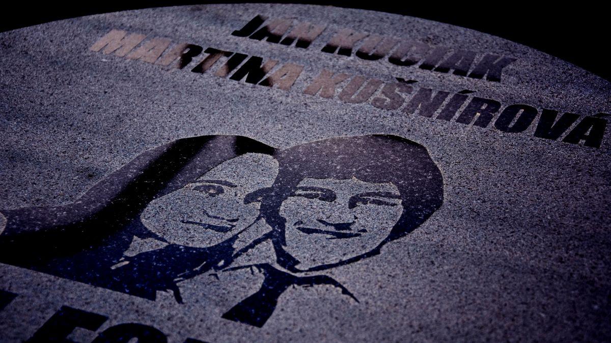 Pozrite si s nami fotografie z pietnej spomienky na zavraždeného Jána Kuciaka a jeho snúbenicu