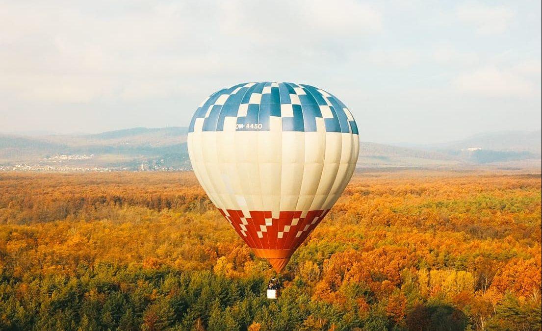 Pri nehode balóna ide zakaždým o súbeh rôznych okolností, hovorí pilot Tomáš Jarábek